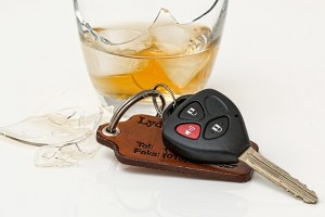 Car keys next to an alcoholic drink - DUI lawyer Jon Artz blog